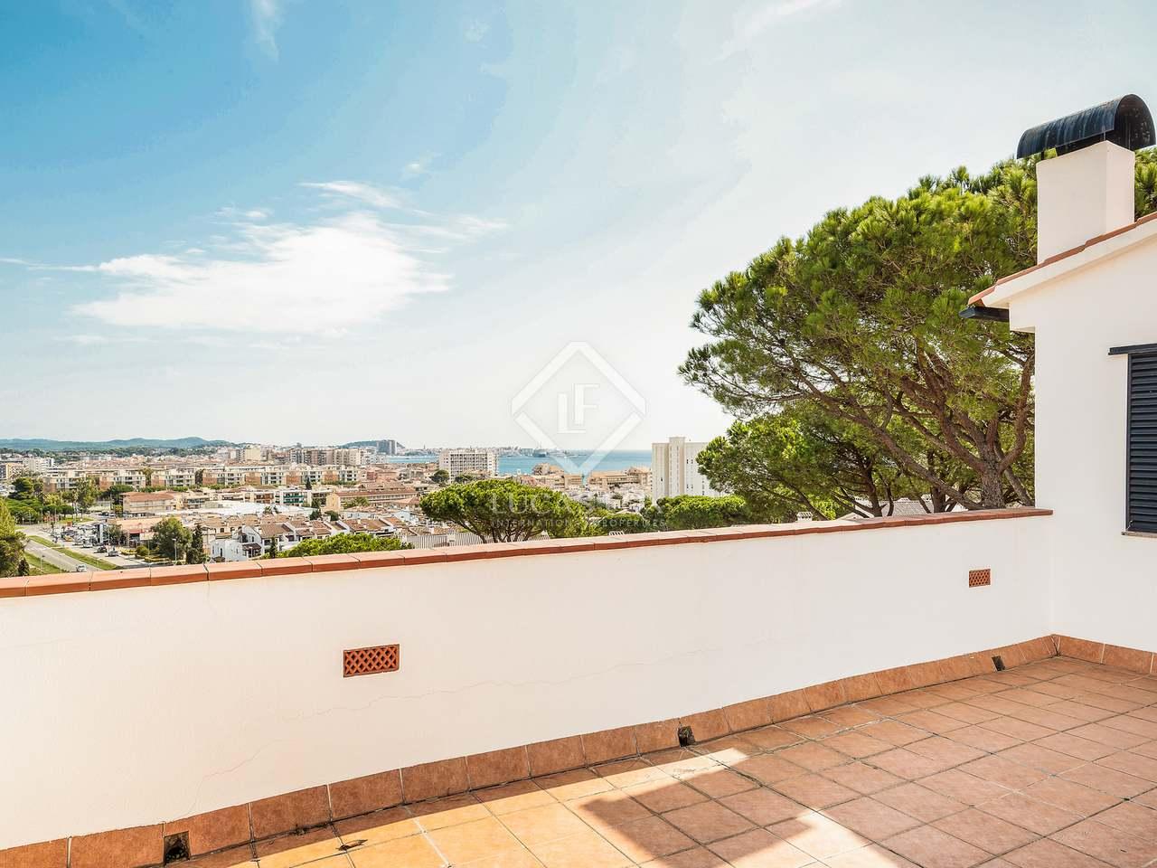 Casa de 459m en venta en playa de aro costa brava - Casa playa costa brava ...