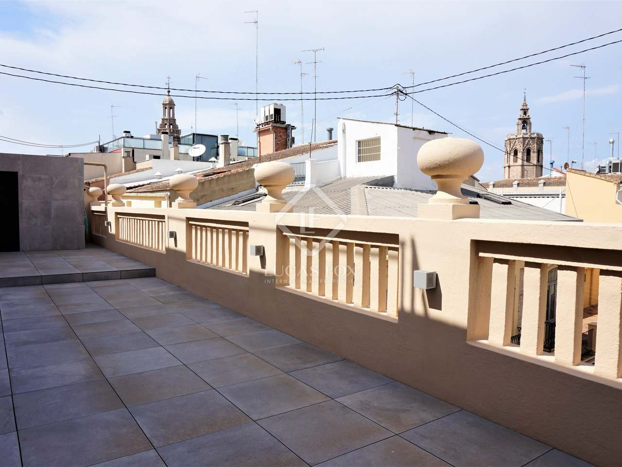 125 m penthouse with 40 m terrace for rent sant francesc for 125 the terrace