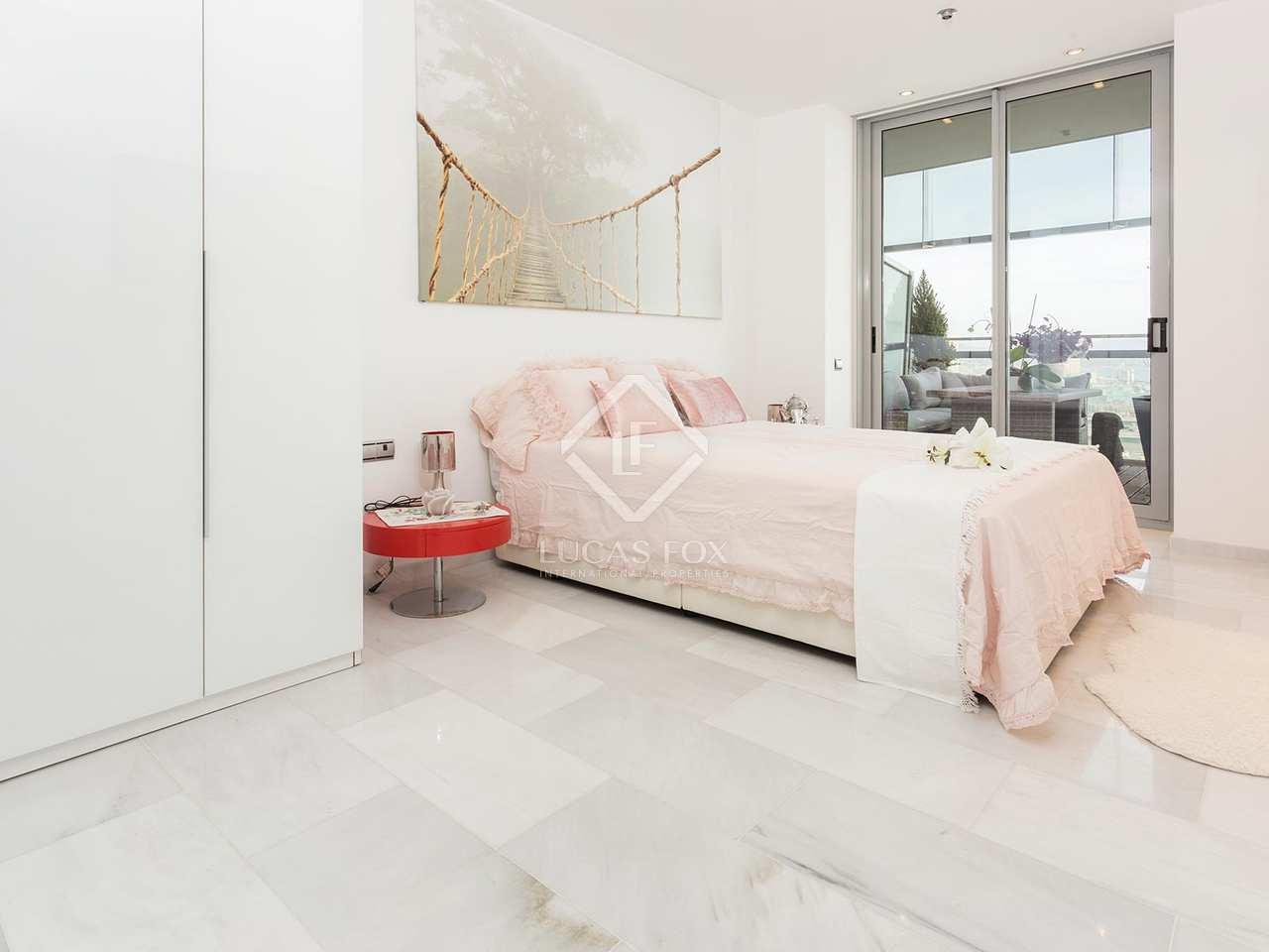 Appartement de 120m a vendre diagonal mar avec 63m for Appartement avec piscine barcelone