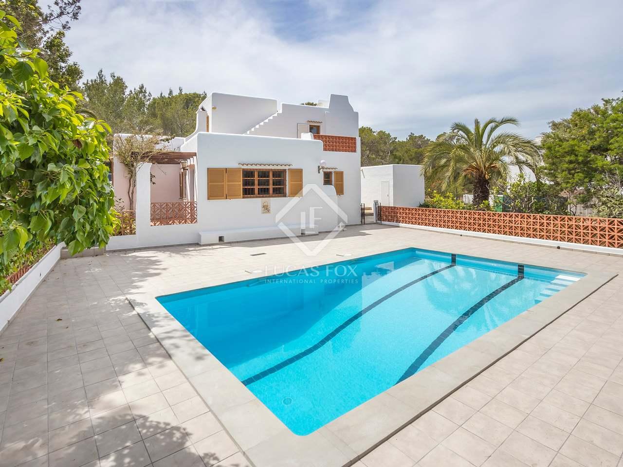 99m haus villa zum verkauf in cala xarraca san juan. Black Bedroom Furniture Sets. Home Design Ideas