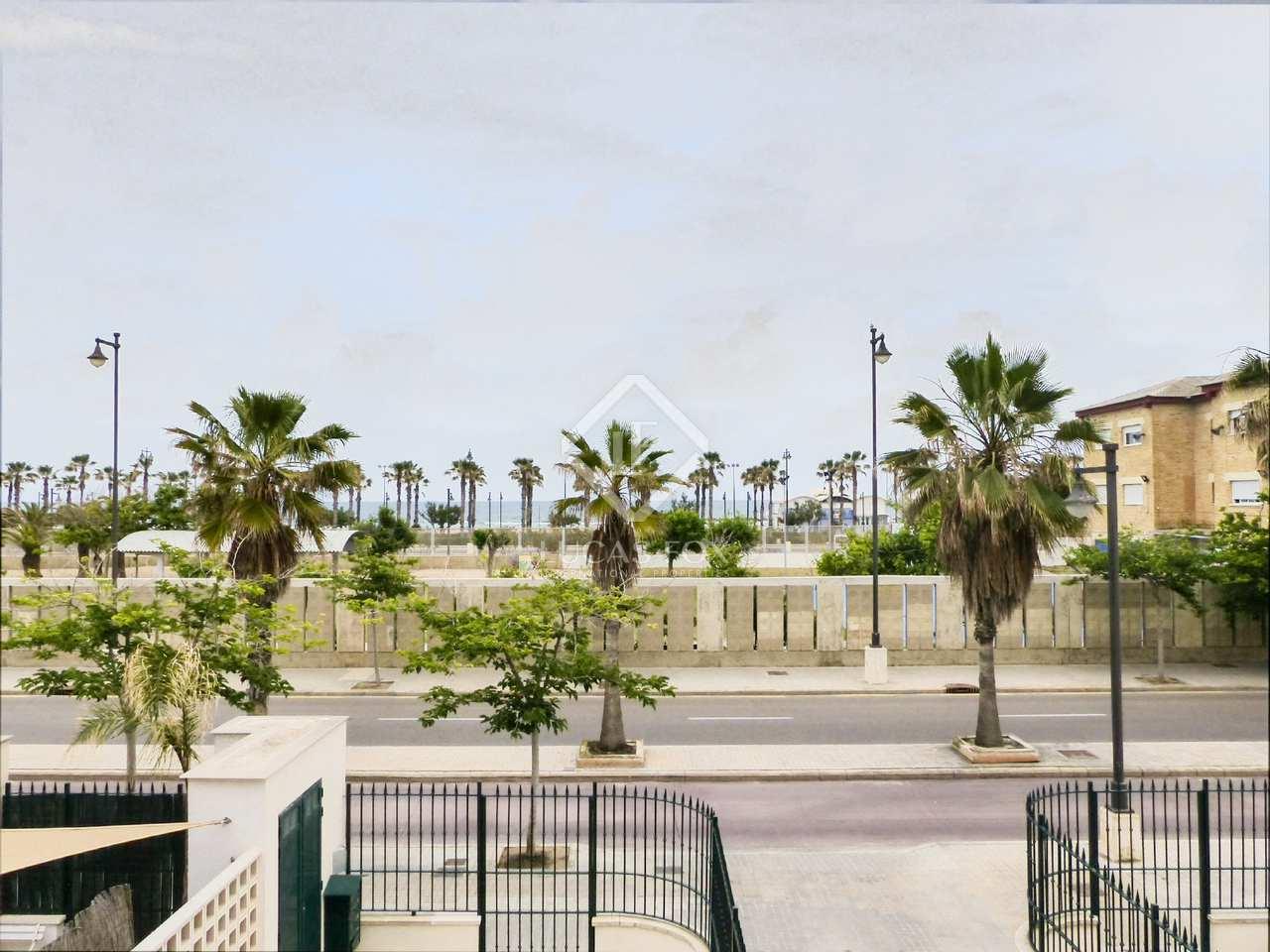 Huis villa van 153m te koop met 10m terras in playa de la malvarrosa - Terras van huis ...