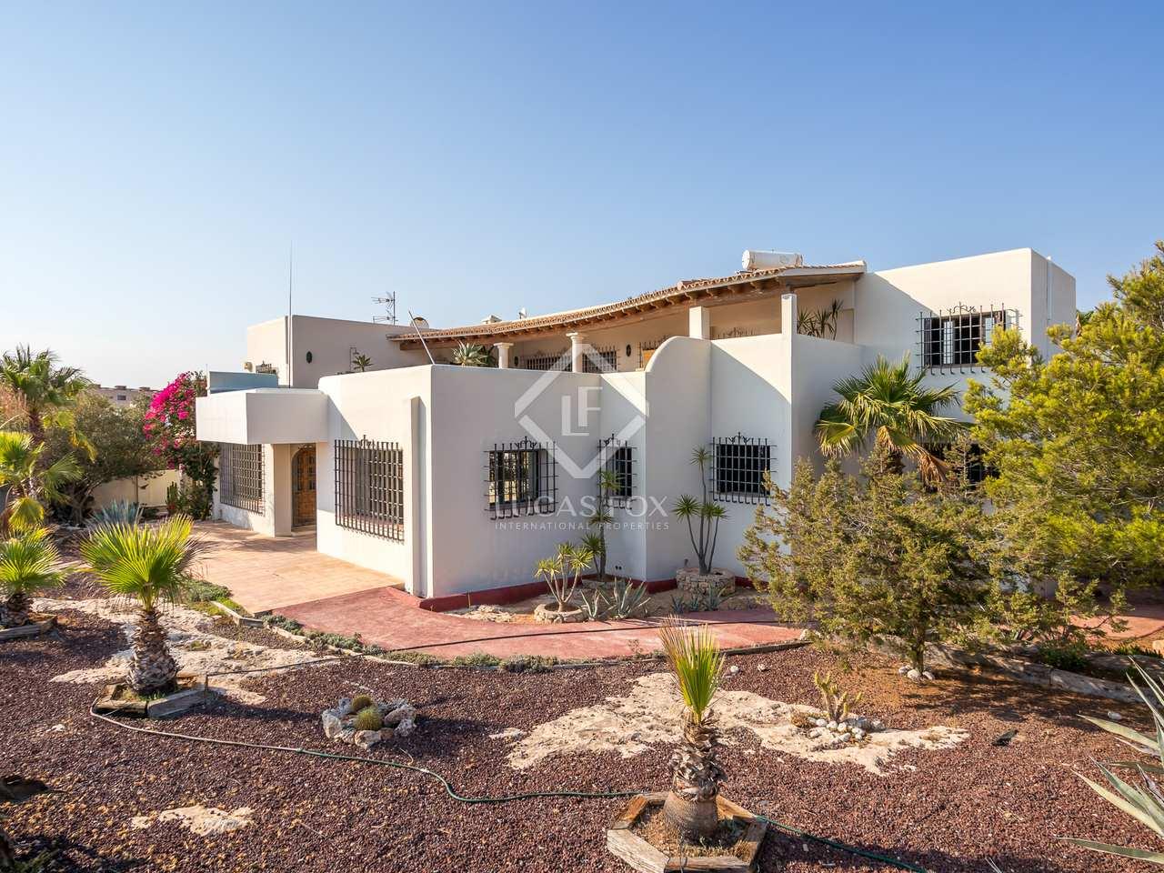 488m haus villa zum verkauf in ibiza stadt ibiza. Black Bedroom Furniture Sets. Home Design Ideas