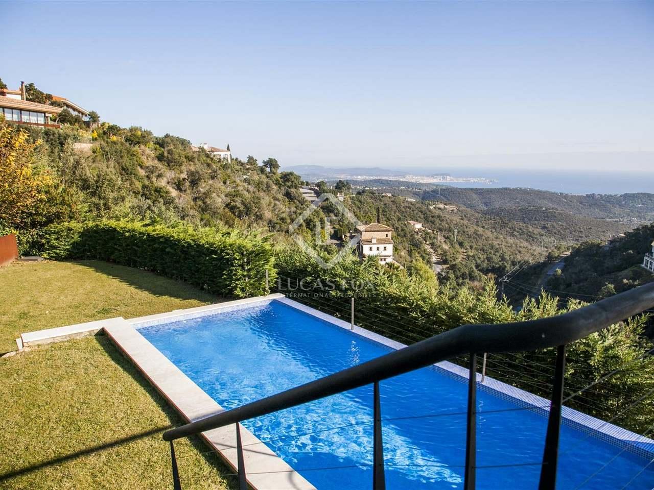 Villa moderna en venta en platja d 39 aro costa brava - Casa playa costa brava ...
