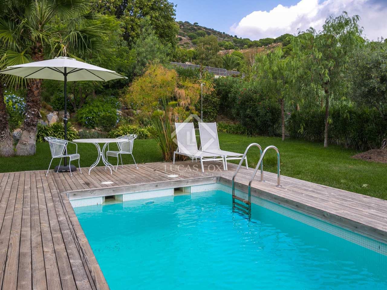 Villa de 495 m en venta en tiana maresme for Piscina tiana