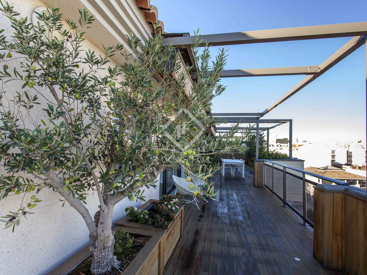 278m wohnung mit 122m terrasse zum verkauf in d nia. Black Bedroom Furniture Sets. Home Design Ideas
