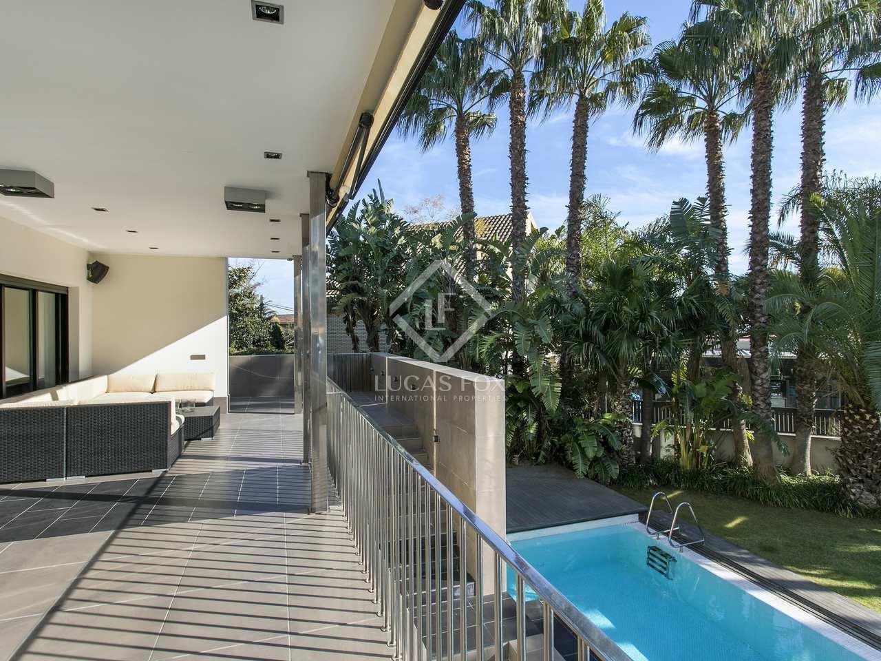 Moderne villa en vente ciudad diagonal sur esplugues for Piscine w barcelone
