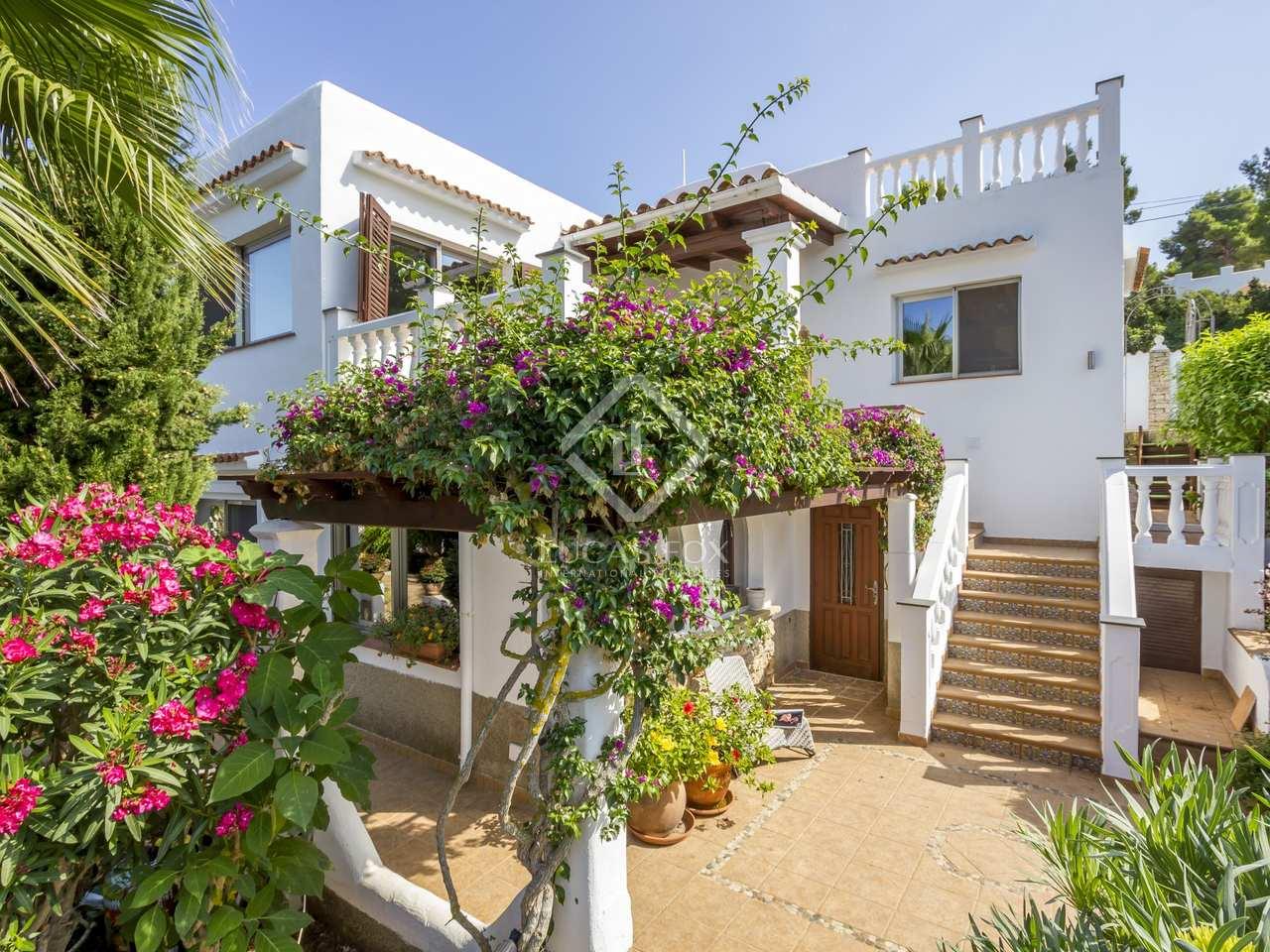 maison villa de 274m a vendre santa eulalia ibiza. Black Bedroom Furniture Sets. Home Design Ideas
