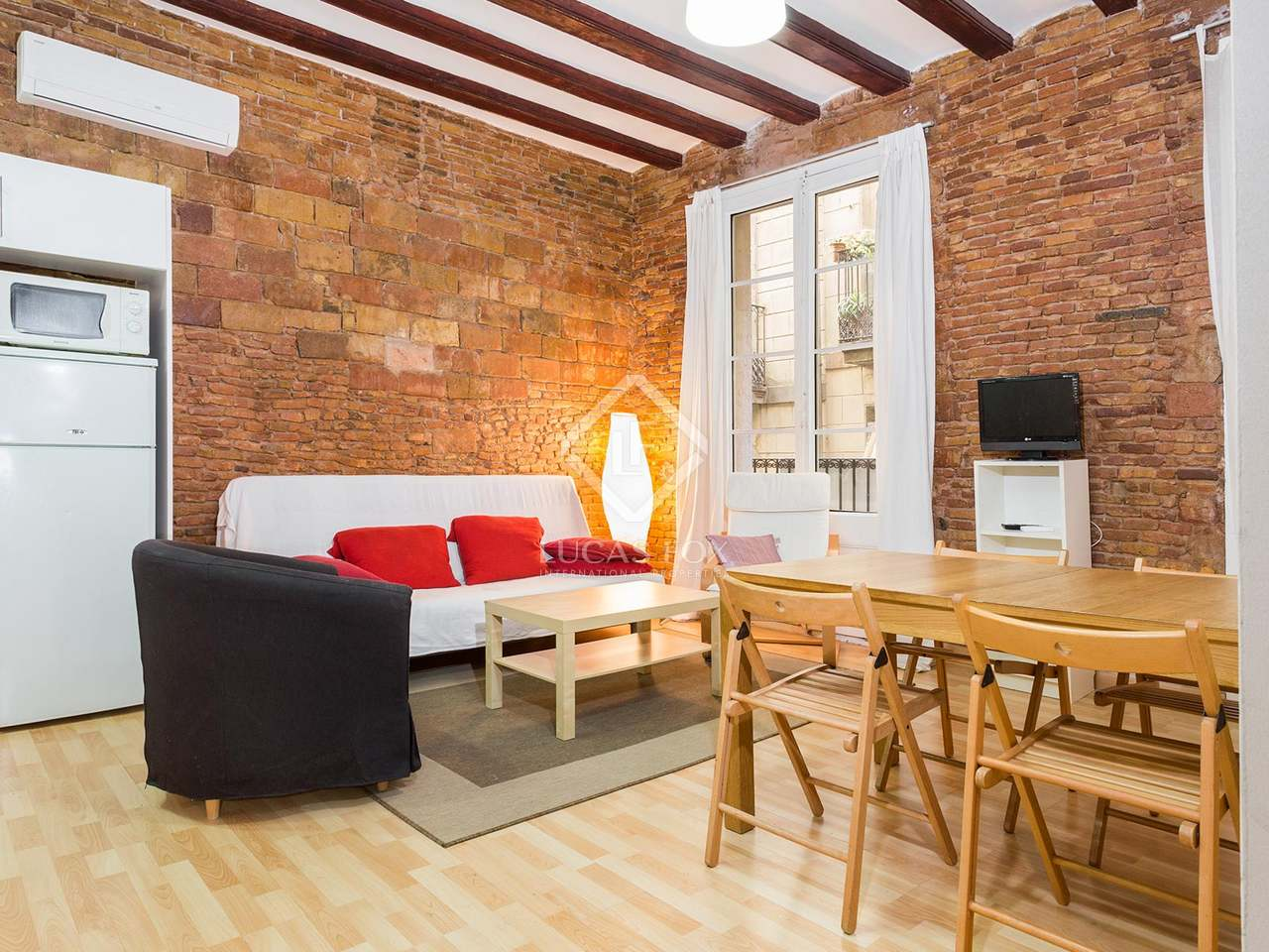Appartement de design en vente dans le quartier gothique - Appartement design retro rustique barcelone ...