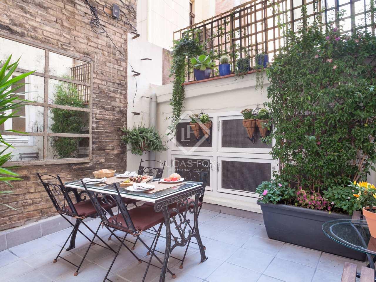 Apartamento con licencia tur stica en venta sagrada familia for Licencia apartamento turistico madrid