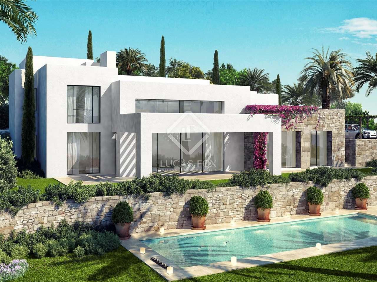 Huis villa van m² te koop met m² terras in estepona