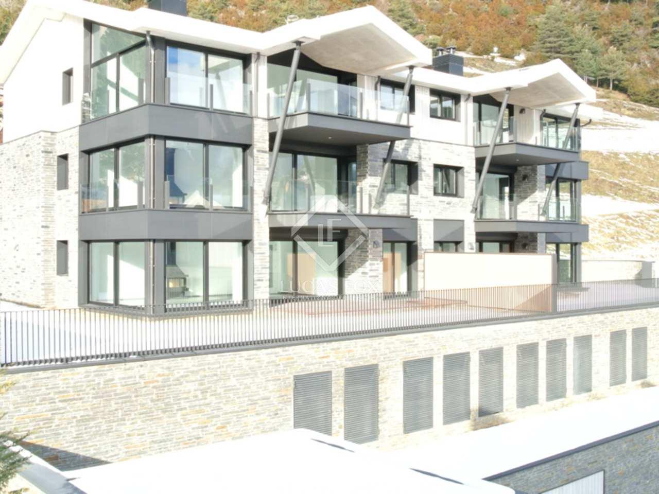 Appartement de 142m a vendre la massana avec 215m de for Jardin anglais caracteristiques