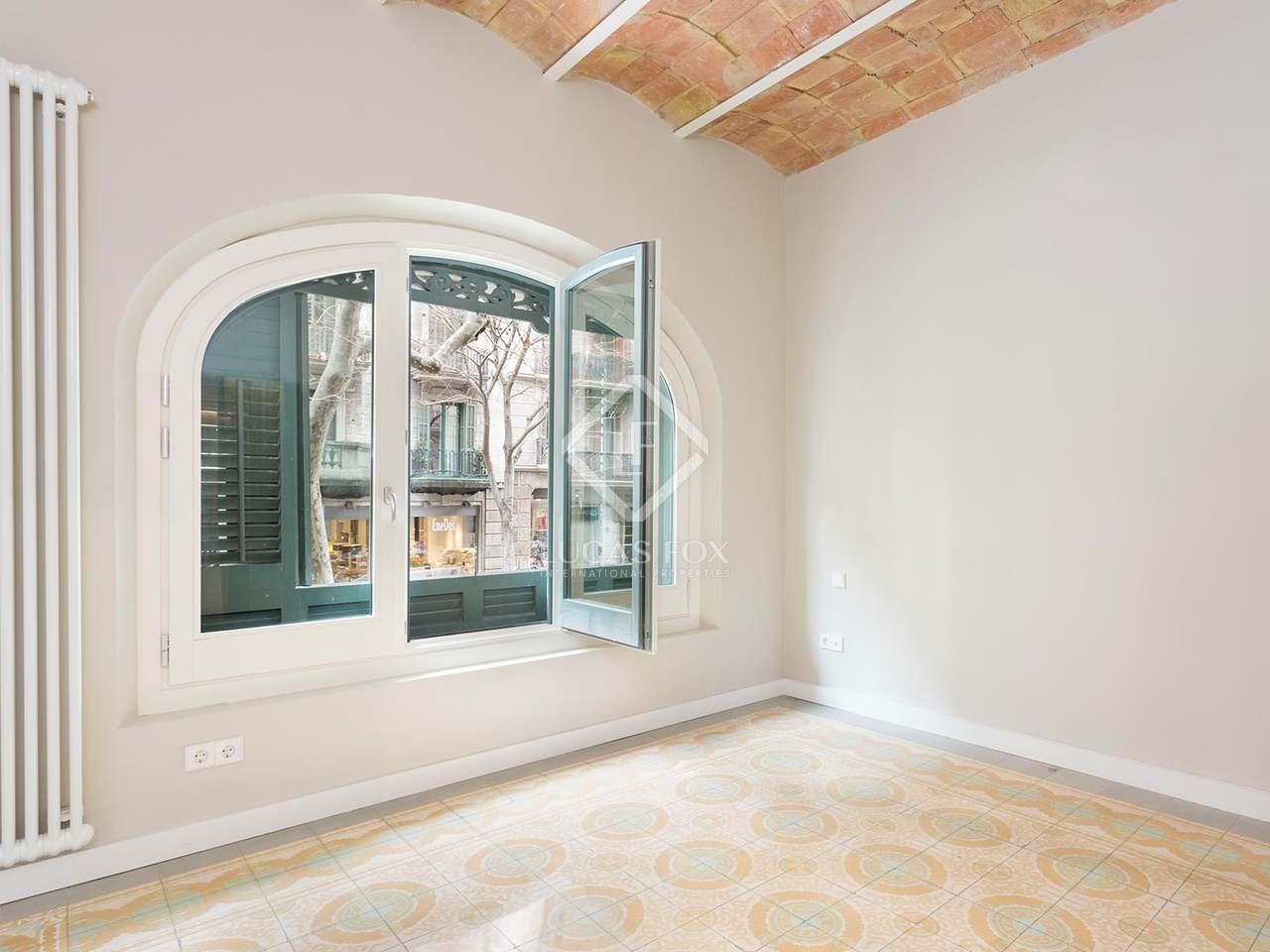 Appartement de 115m a vendre eixample gauche avec 30m for Appartement avec piscine barcelone