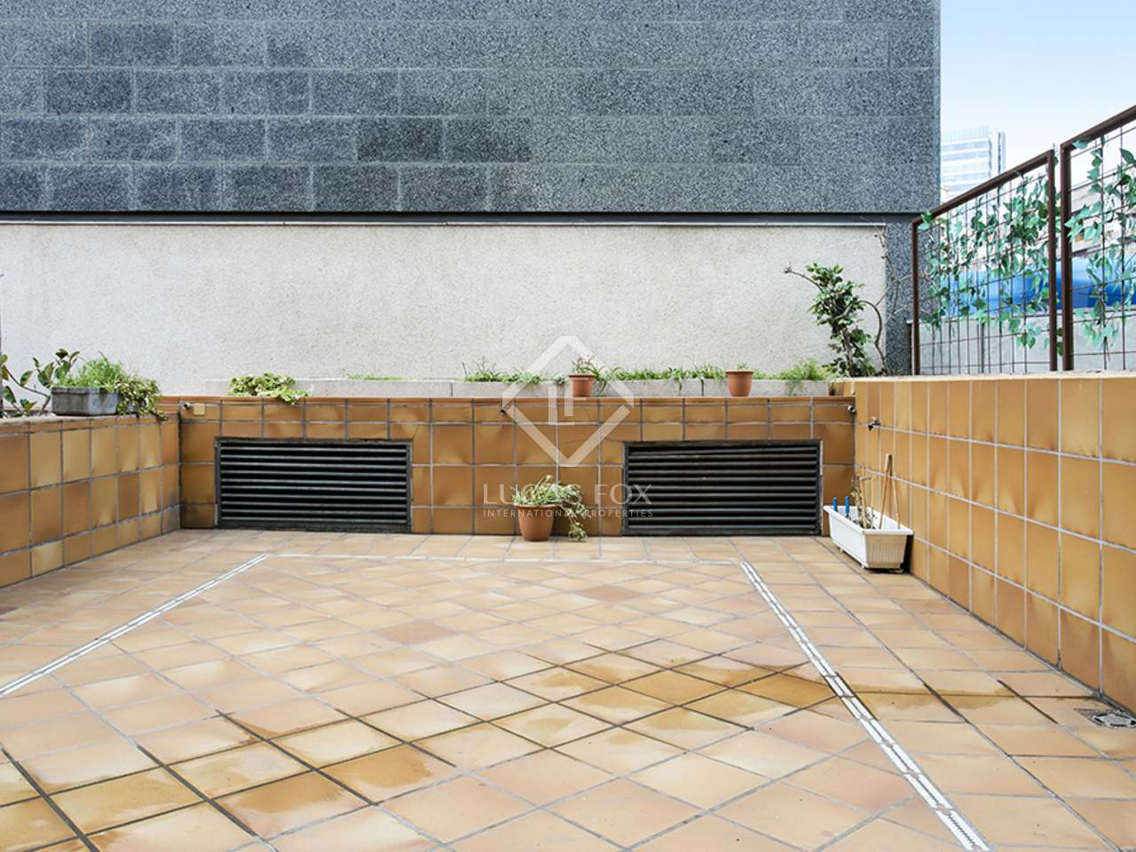 Appartement de 59m a vendre eixample gauche avec 38m for Appartement avec piscine barcelone