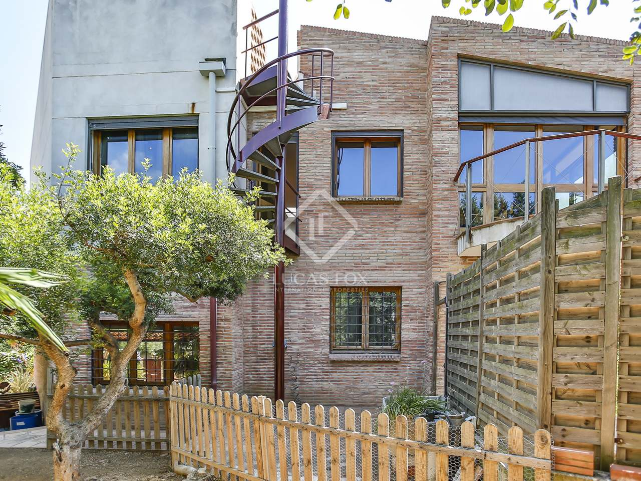 Huis villa van 320m te huur met 600m tuin in vilanova for Huis met tuin te huur rotterdam