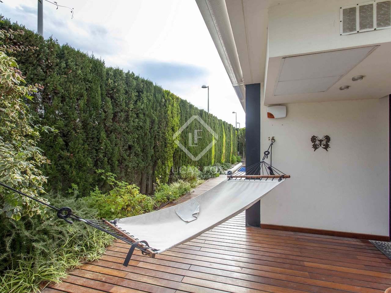 Maison villa de 350m a vendre canet almarda avec 250m de jardin for Jacuzzi jardin occasion