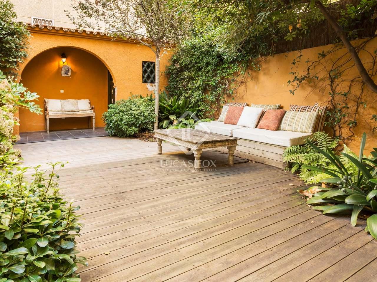 Casa de 3 dormitorios en alquiler en tres torres for Casa con jardin alquiler barcelona