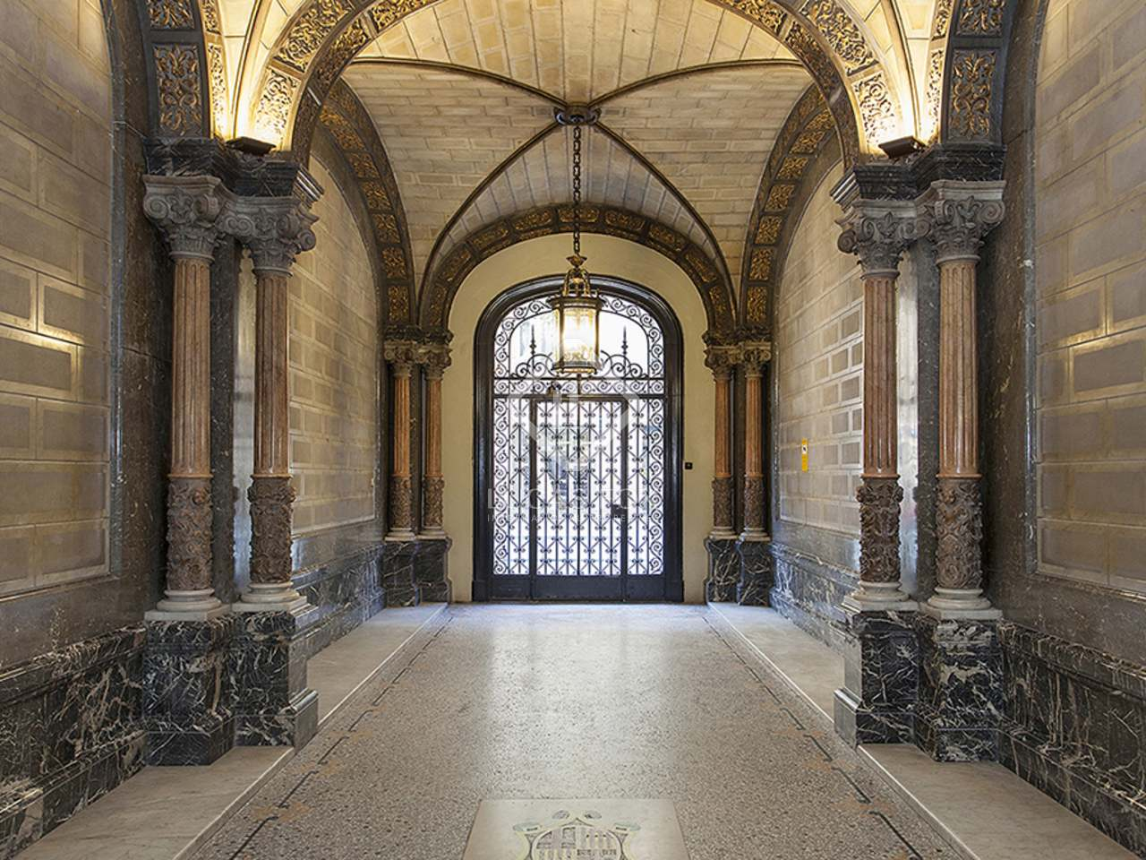 Renovated apartment for sale on calle casp - Calle casp barcelona ...
