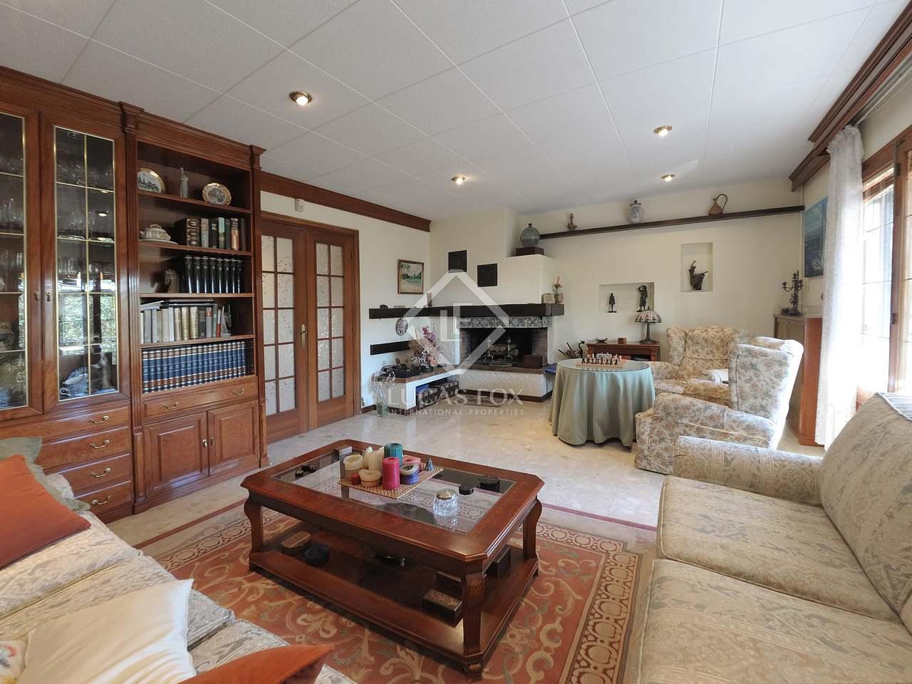 maison villa de 341m a vendre castelldefels barcelone. Black Bedroom Furniture Sets. Home Design Ideas