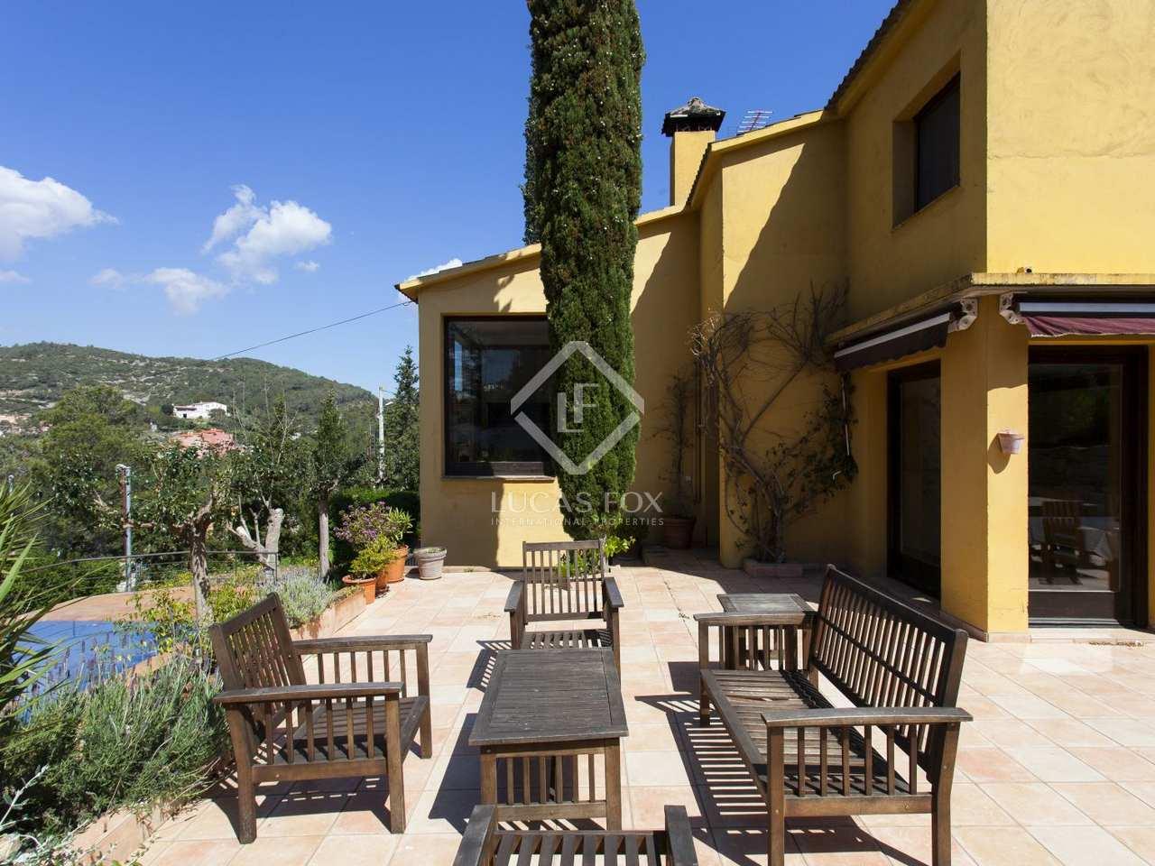 Casa familiar con piscina en venta en sitges barcelona for Casas con piscina barcelona