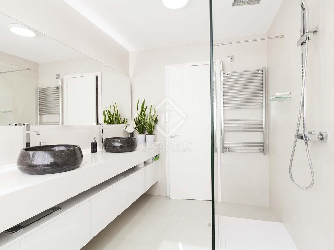 Casa moderna en venta en castelldefels barcelona for Compartir piso castelldefels