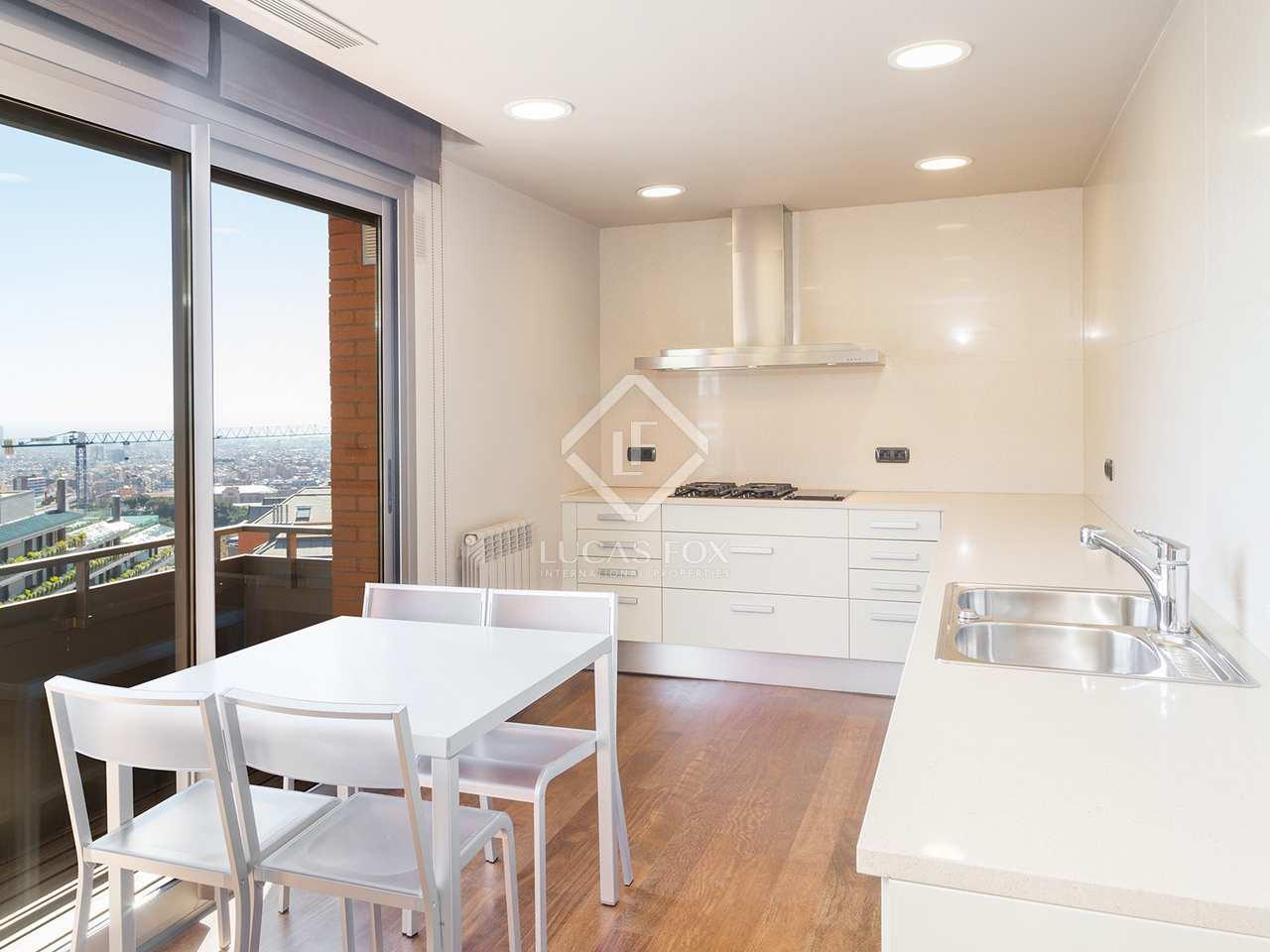 Bonita casa en alquiler en la zona alta de barcelona for Casa con jardin alquiler barcelona