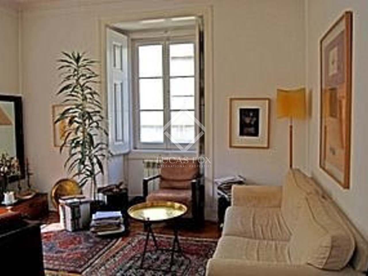two bedroom flat to buy in Principe Real district of Lisbon