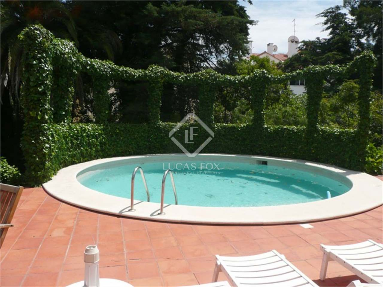 House for sale with garden and pool monte estoril for Garden pool for sale