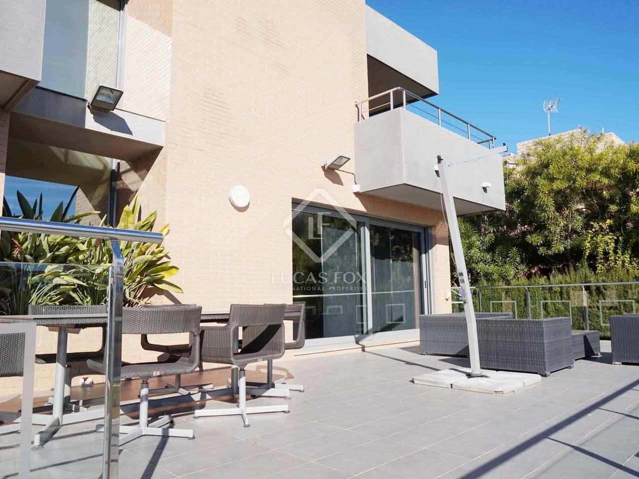 Maison villa de 442m a vendre la eliana avec 200m de for Jardin anglais caracteristiques