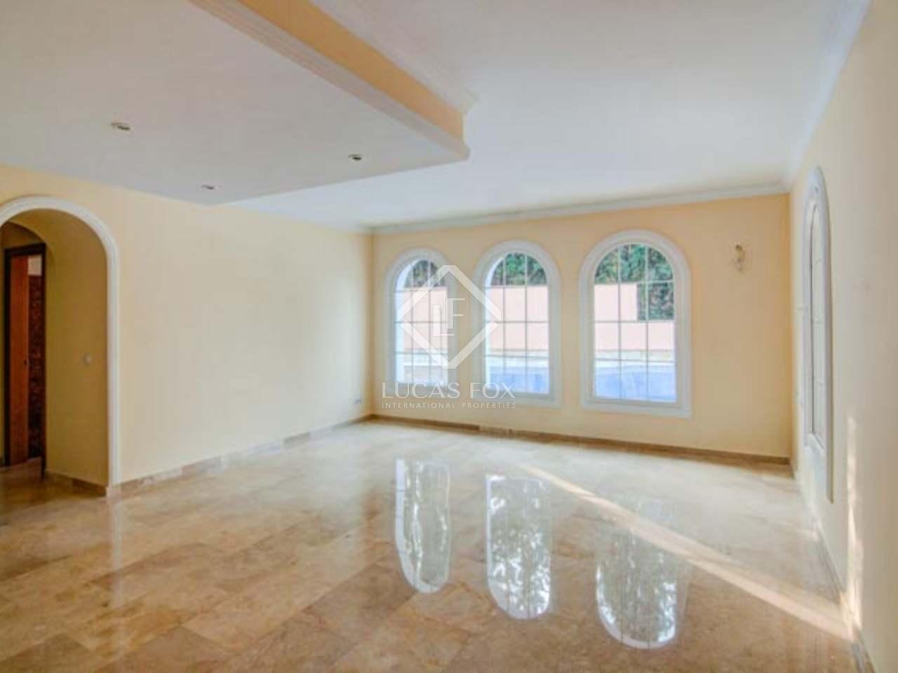 5 Bedroom Villa For Sale In La Sierrezuela Mijas Costa