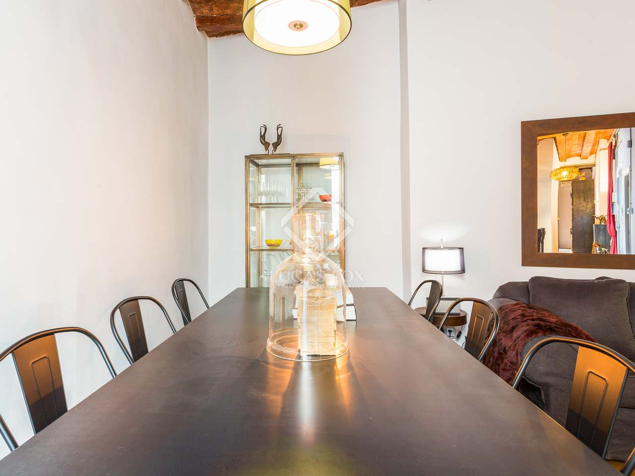 96 m apartment for sale in the gothic area barcelona for 3 renovated apt with spacious living room 10 pax