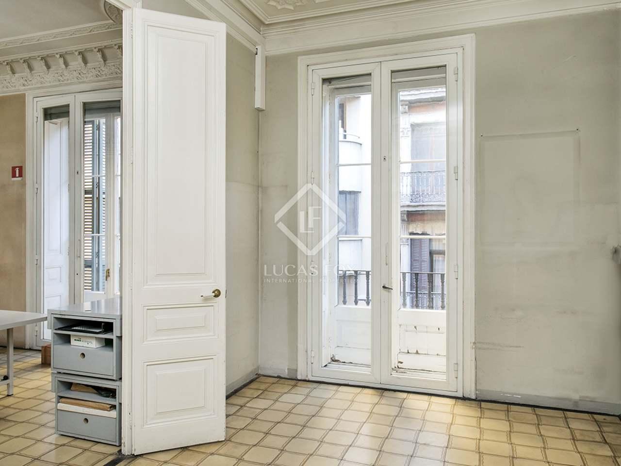 Appartement de 216m a vendre el born barcelone for Appartement avec piscine barcelone