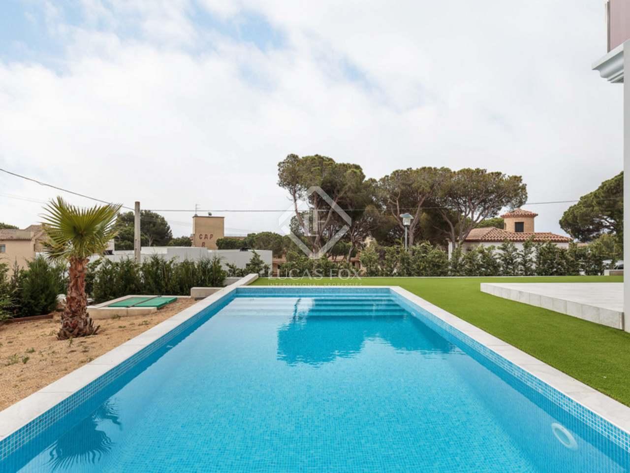 Villa nueva de 4 dormitorios en venta en playa de aro - Casa playa costa brava ...