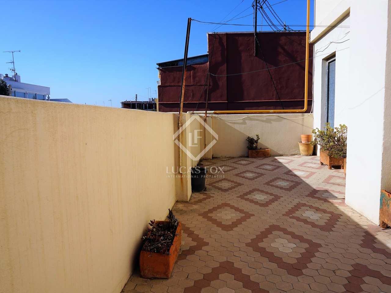 Tico a reformar con terraza de 25 m en venta en gran v a - Reformar terraza atico ...