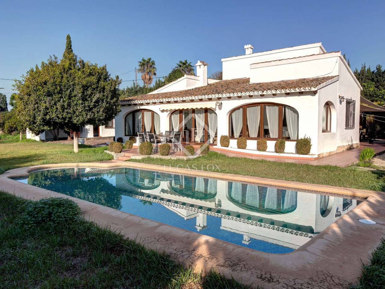 Beautiful Mediterranean Style Chalet With A Separate Guest