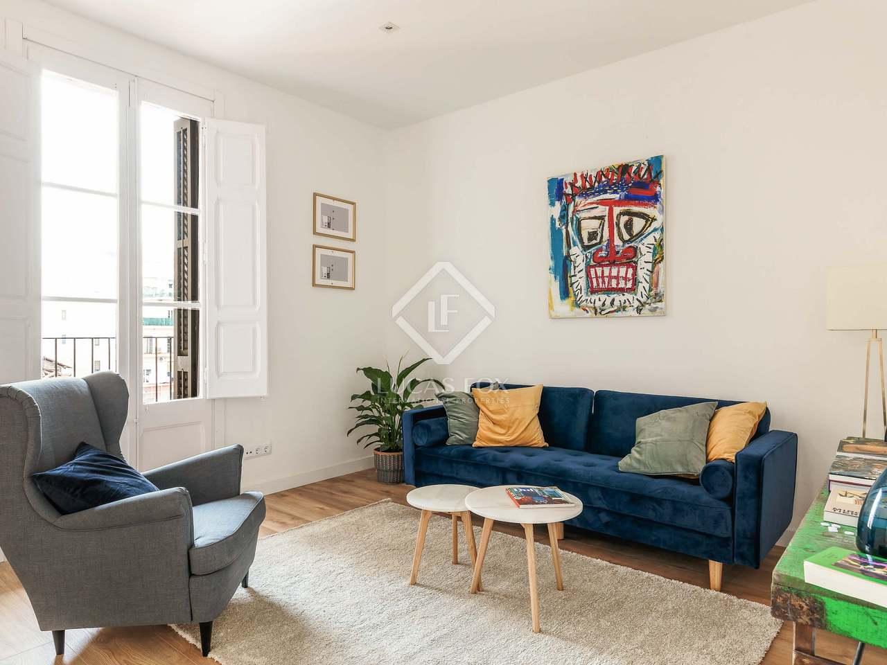 piso de 3 dormitorios con terraza en venta en el eixample. Black Bedroom Furniture Sets. Home Design Ideas