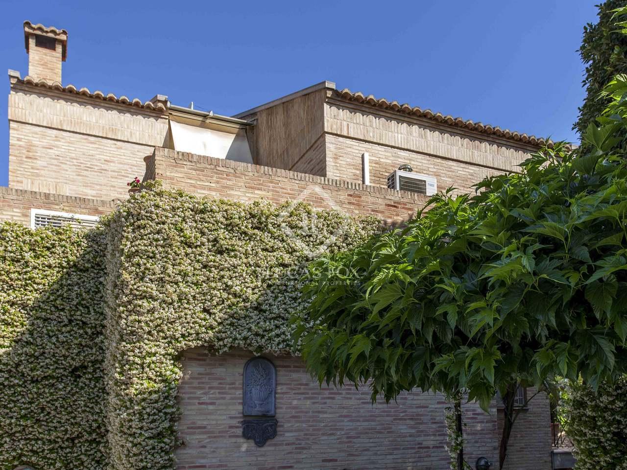 Villa with a pool for sale in godella valencia for Villas valencia