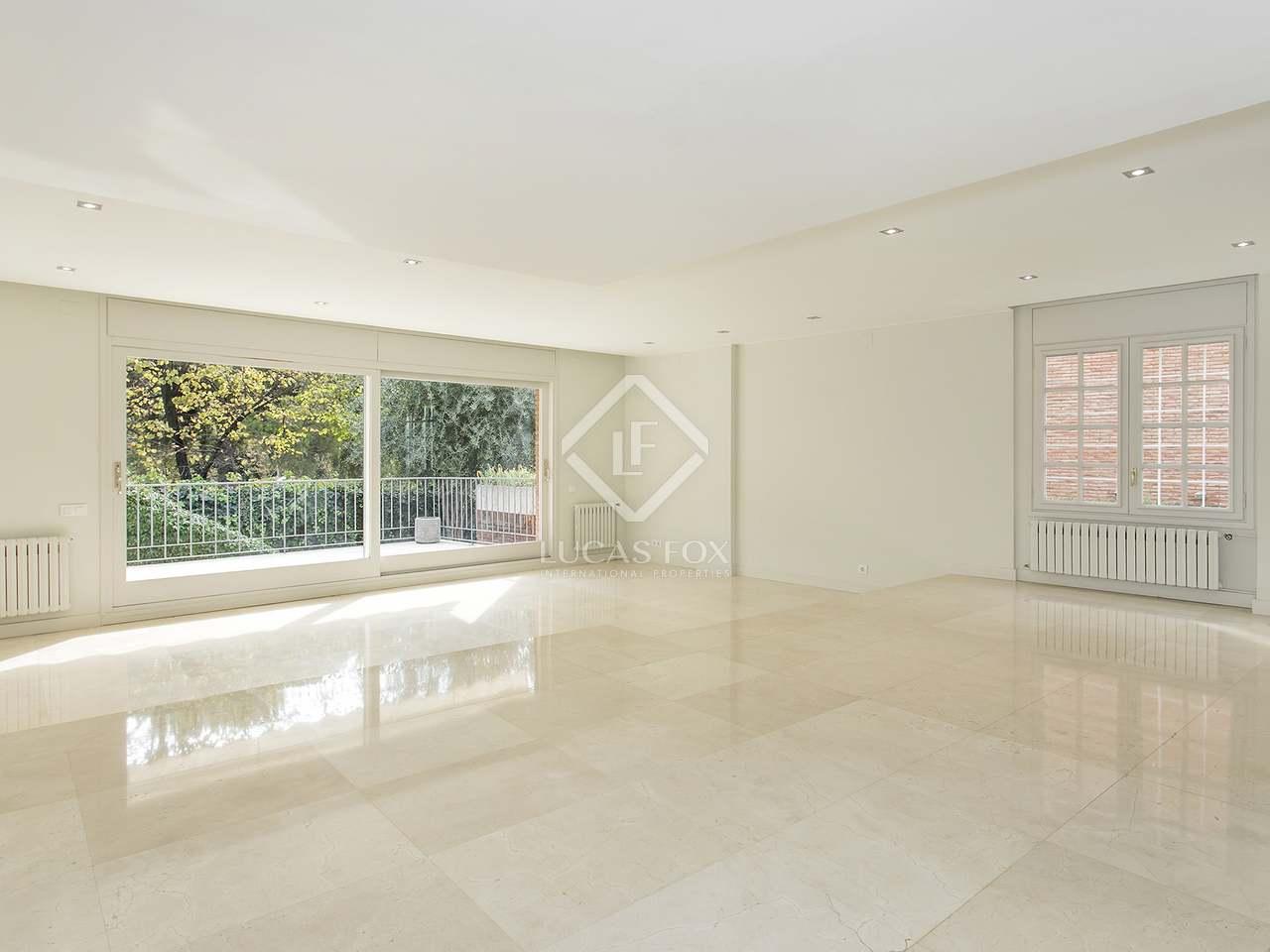 Casa de 390 m con jard n en alquiler en pedralbes for Alquiler casa jardin barcelona