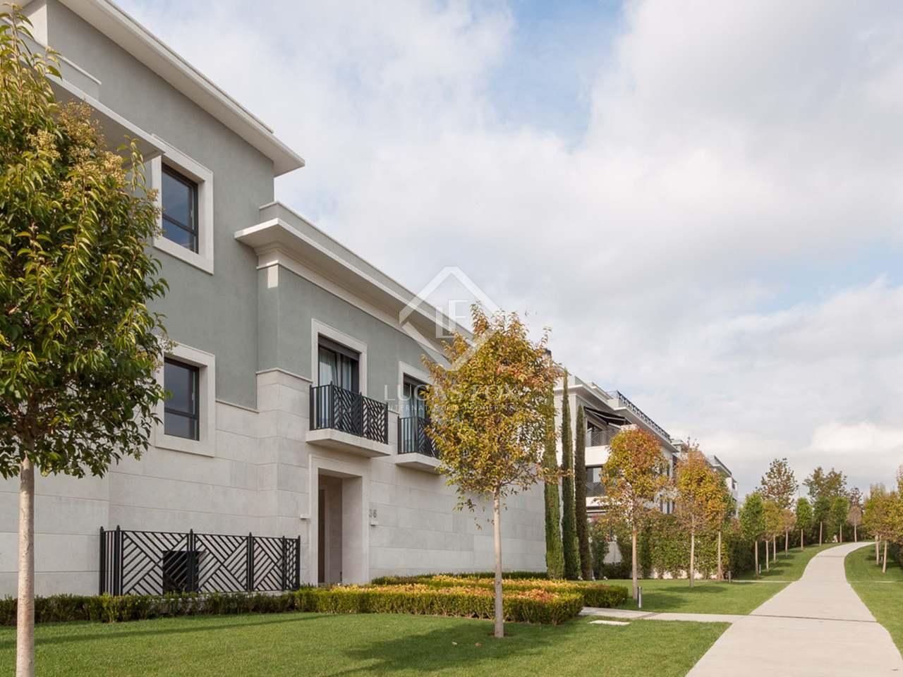 88m wohnung mit 75m terrasse zur miete in aravaca madrid. Black Bedroom Furniture Sets. Home Design Ideas
