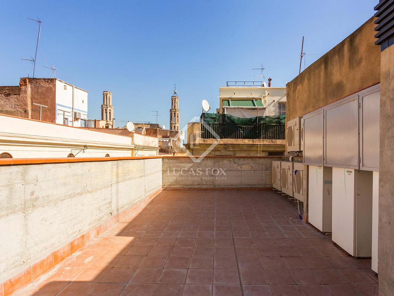 Appartement de 60m a louer el born barcelone for Appartement piscine barcelone
