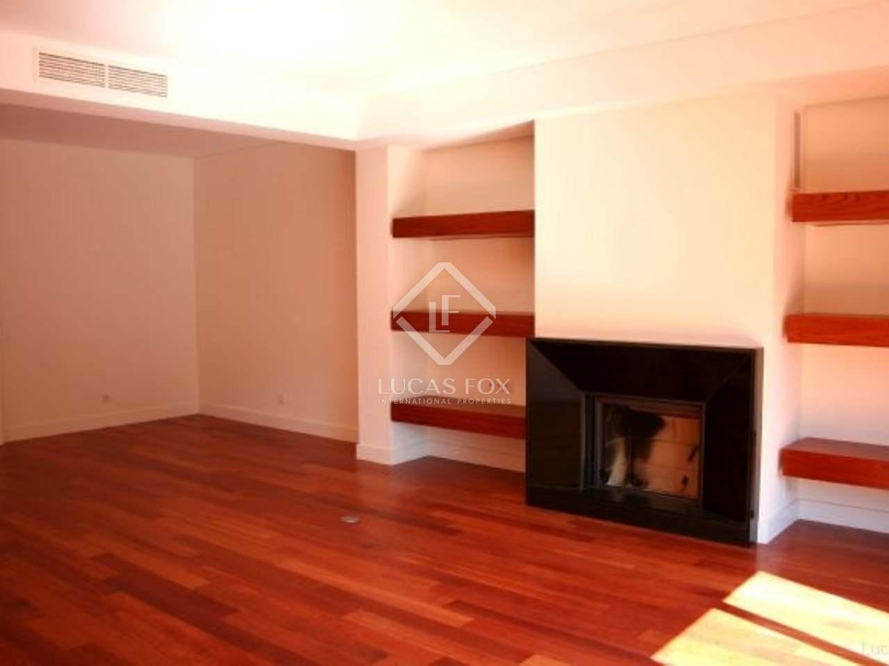201m wohnung zum verkauf in cascais und estoril portugal. Black Bedroom Furniture Sets. Home Design Ideas