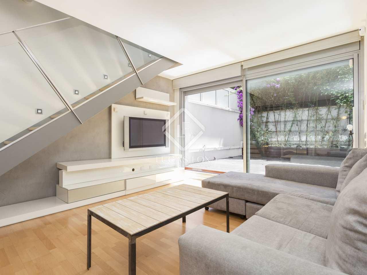 D plex con terraza grande en venta en el eixample derecho for Cedula de habitabilidad precio