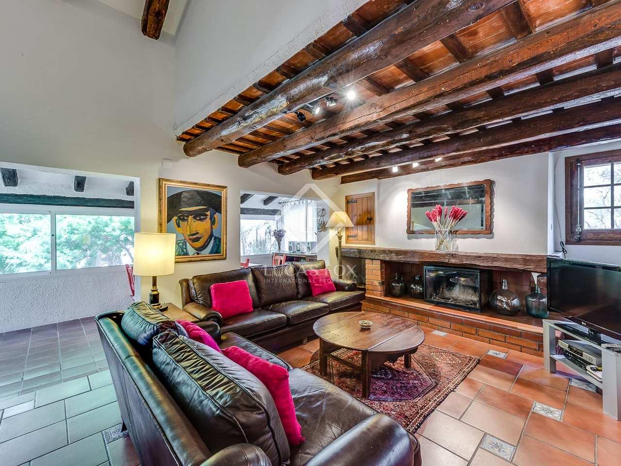 maison de campagne de 306m a vendre olivella barcelone. Black Bedroom Furniture Sets. Home Design Ideas