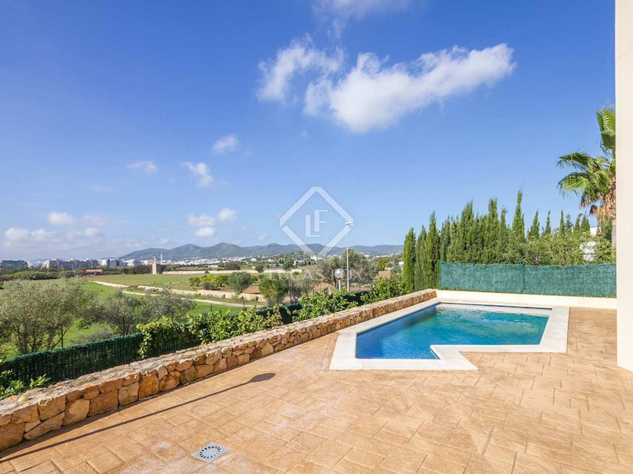 Villa moderna en venta a 5 minutos de la ciudad de ibiza for Ciudad jardin ibiza