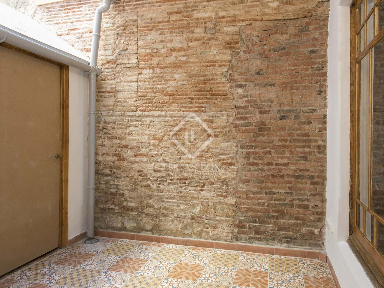 Piso de 135m en alquiler en g tico barcelona for Compartir piso barcelona
