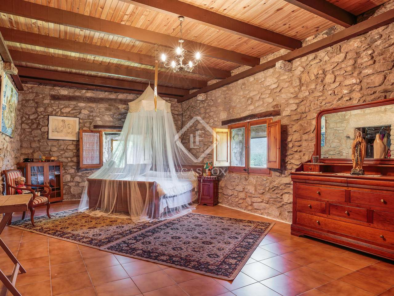 18th Century Farmhouse To Be Renovated For Sale In Girona