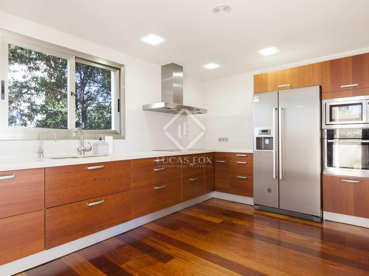 maison villa de 251m a louer castelldefels barcelone. Black Bedroom Furniture Sets. Home Design Ideas