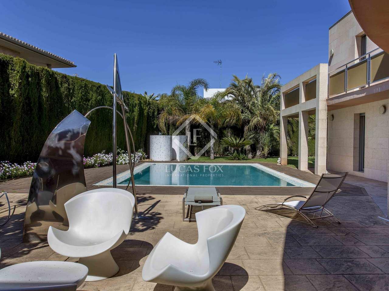 Chalet moderno con piscina en alquiler en campolivar godella for Piscina de godella