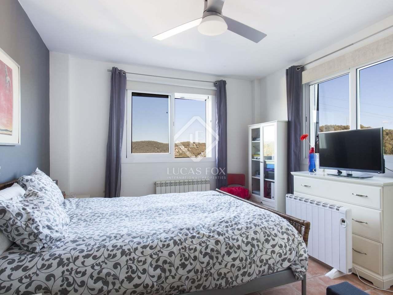 maison villa de 237m a vendre olivella barcelone. Black Bedroom Furniture Sets. Home Design Ideas