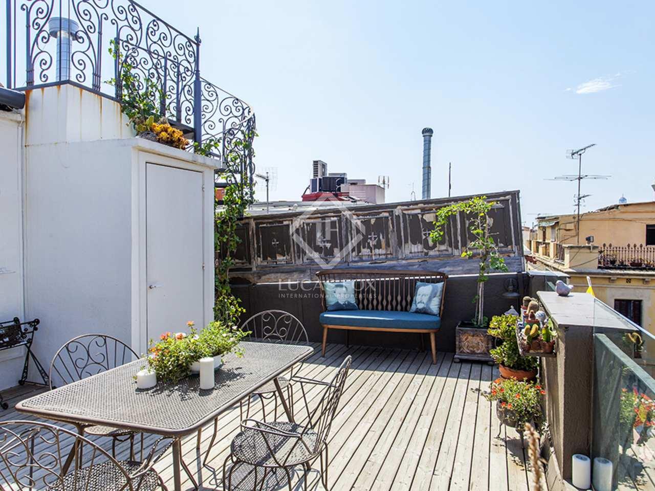 Tico con grandes terrazas en venta en el casco antiguo for Terrazas 1280 a