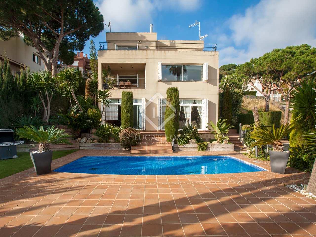 Casa de 5 dormitorios con bonitas vistas en venta en alella - Casas espectaculares en espana ...